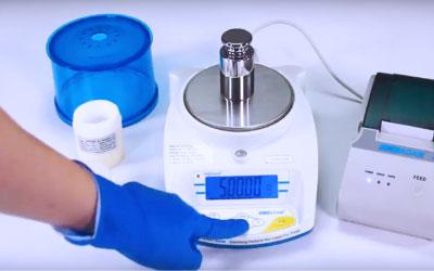 Equipo de laboratorio: 5 consejos para optimizar sus balanzas